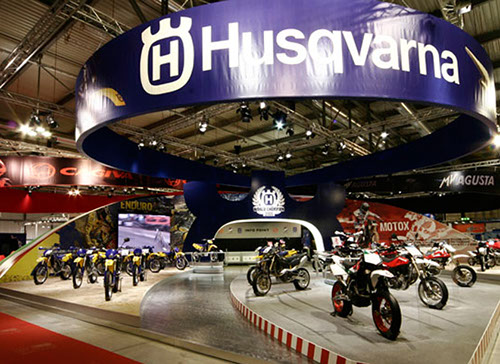 Husqvuarna exhibition stand at EICMA designed by Axis Design Maior (AD Maior)
